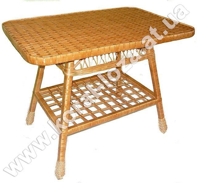Стол плетеный из лозы