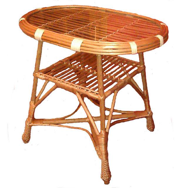 Стол из лозы с круглой столешницей