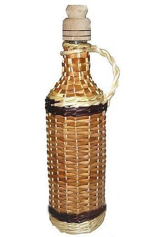 Бутылка оплетенная лозой 1л