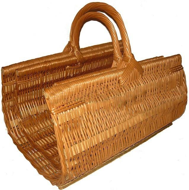 Набор плетеных корзин из лозы для камина